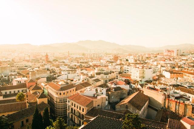 Spanska lägenheter och hus